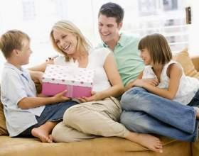 Що подарувати мамі і татові? фото