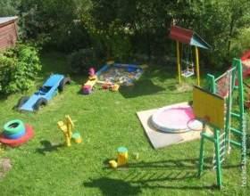 Дитячий майданчик на дачній ділянці фото