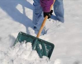 Як чистити сніг? фото