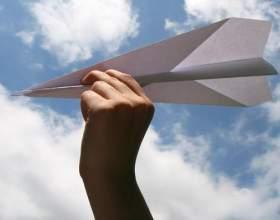 Як робити літачки з паперу? фото