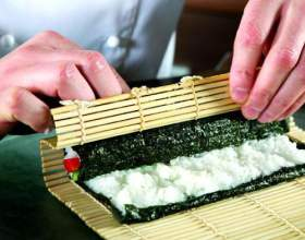 Як готувати суші вдома? фото