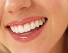 Як відбілити зуби перекисом? фото
