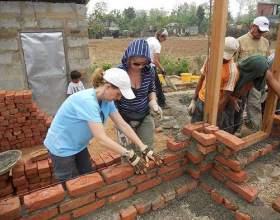 Як побудувати будинок з цегли? фото
