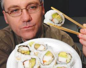 Як правильно жерти суші? фото
