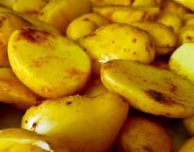 Як приготувати картоплю в духовці? фото