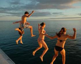 Як стрибати в воду? фото