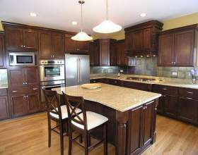 Як розставити меблі на кухні? фото