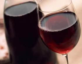 Як зробити червоне вино? фото