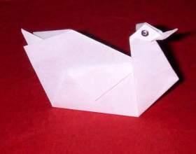 Як зробити лебедя з паперу? фото
