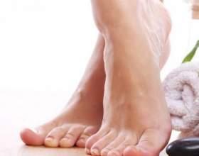 Як зняти набряки на ногах? фото