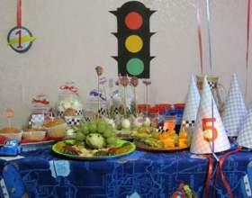 Як прикрасити дітям стіл? фото