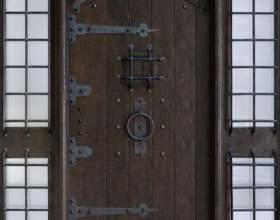 Як прикрасити двері? фото