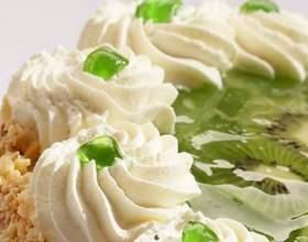 Як прикрасити торт кремом? фото
