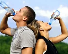 Яку пити воду? фото