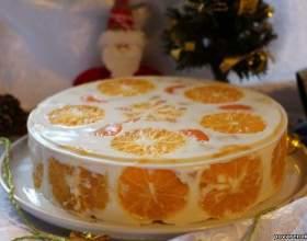 Дуже смачний і цікавий желейно-сметанний торт з фруктами фото