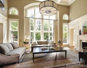 Оформлення арочного вікна класичними шторами (4 фото) фото
