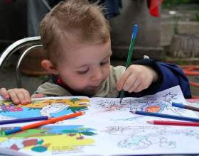 Чому діти малюють? фото