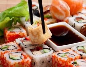 Скільки калорій в суші? фото
