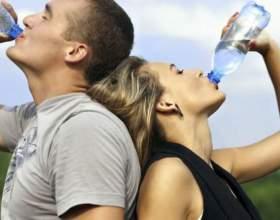 Скільки калорій в воді? фото