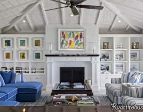 Середземноморський стиль в білій вітальні з синіми акцентами (3 фото) фото